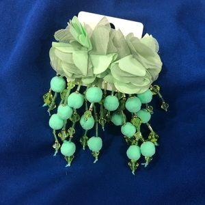 Jewelry - BNWT flower drop statement earrings
